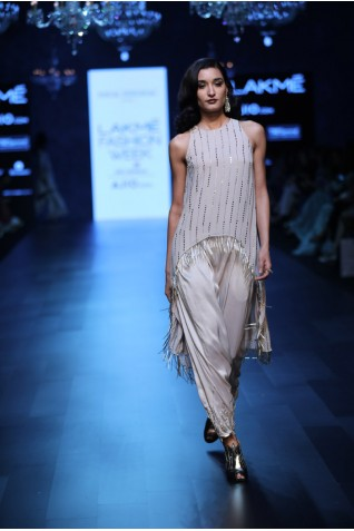 http://www.payalsinghal.com/collection/PS-FW420a0.jpg