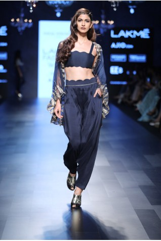 http://www.payalsinghal.com/collection/PS-FW424a0.jpg