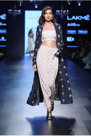 http://www.payalsinghal.com/collection/PS-FW440a0.jpg