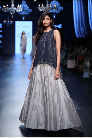 http://www.payalsinghal.com/collection/PS-FW444a0.jpg