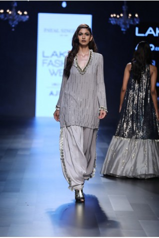 http://www.payalsinghal.com/collection/PS-FW445a0.jpg