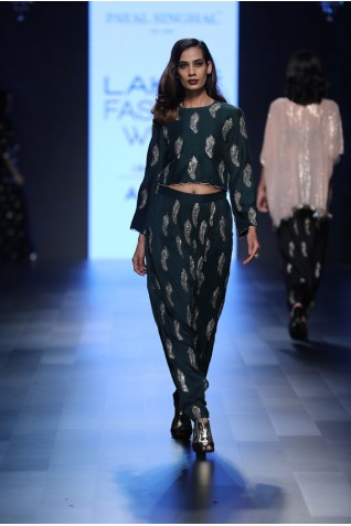 http://www.payalsinghal.com/collection/PS-FW449a0.jpg