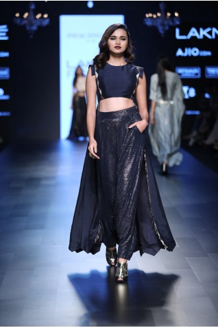 http://www.payalsinghal.com/collection/PS-FW452a0.jpg