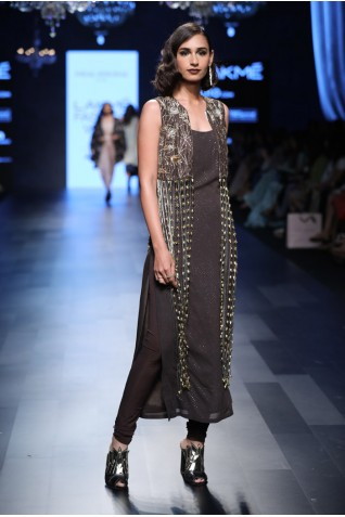 http://www.payalsinghal.com/collection/PS-FW453a0.jpg