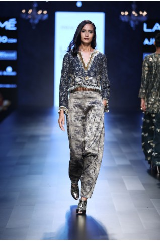 http://www.payalsinghal.com/collection/PS-FW458a0.jpg