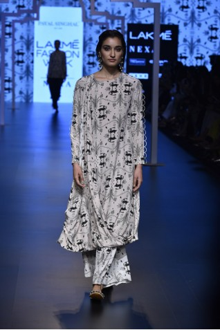 https://www.payalsinghal.com/collection/PS-FW462a0.jpg