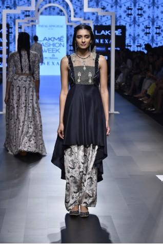 https://www.payalsinghal.com/collection/PS-FW465a0.jpg