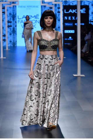 http://www.payalsinghal.com/collection/PS-FW467a0.jpg