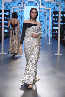 178887175a ... Payal Singhal Indian Wear Collection : PINAR OGEE PRINT EMBROIDERED  SAREE AND LYCRA OFF SHOULDER CHOLI ...