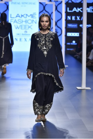 http://www.payalsinghal.com/collection/PS-FW470a0.jpg