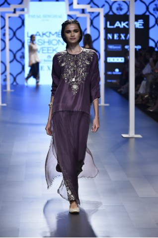 http://www.payalsinghal.com/collection/PS-FW471a0.jpg
