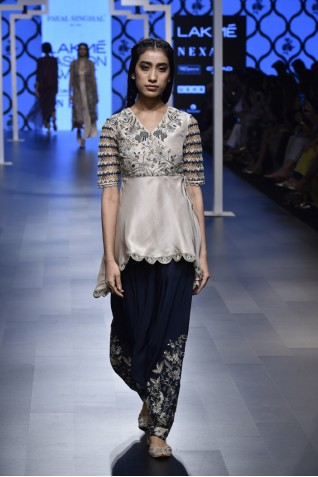 https://www.payalsinghal.com/collection/PS-FW472a0.jpg