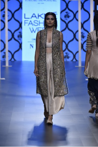 http://www.payalsinghal.com/collection/PS-FW473a0.jpg
