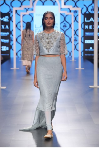 http://www.payalsinghal.com/collection/PS-FW474a0.jpg