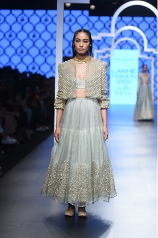 http://www.payalsinghal.com/collection/PS-FW478a0.jpg