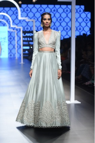 http://www.payalsinghal.com/collection/PS-FW479a0.jpg