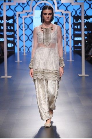 http://www.payalsinghal.com/collection/PS-FW483a0.jpg