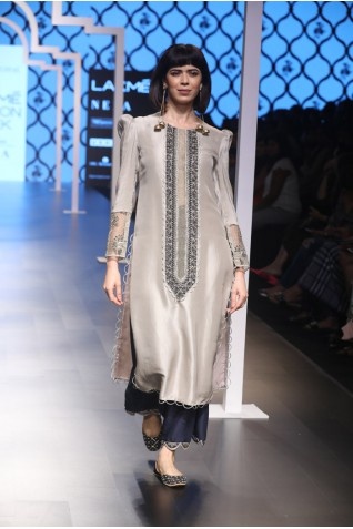 http://www.payalsinghal.com/collection/PS-FW486a0.jpg