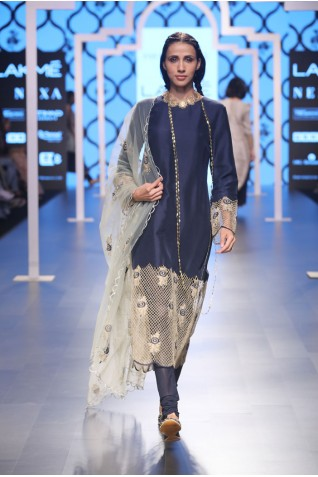 http://www.payalsinghal.com/collection/PS-FW487a0.jpg