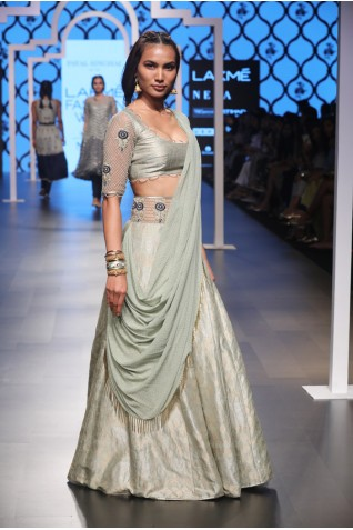 http://www.payalsinghal.com/collection/PS-FW489a0.jpg