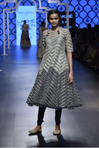 http://www.payalsinghal.com/collection/PS-FW490a0.jpg