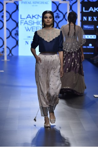 http://www.payalsinghal.com/collection/PS-FW492a0.jpg