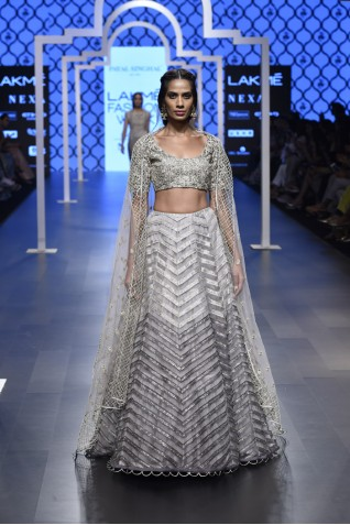 https://www.payalsinghal.com/collection/PS-FW496a0.jpg