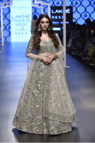 http://www.payalsinghal.com/collection/PS-FW500a0.jpg