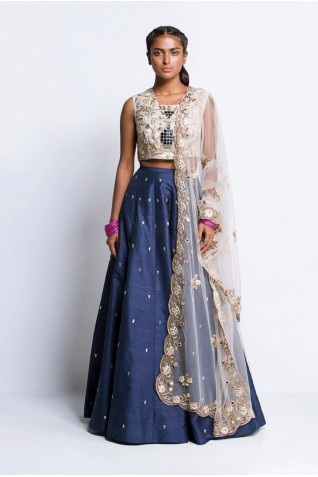 https://www.payalsinghal.com/collection/PS-ST0866Aa0.jpg