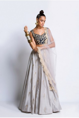 http://www.payalsinghal.com/collection/PS-ST0937a0.jpg