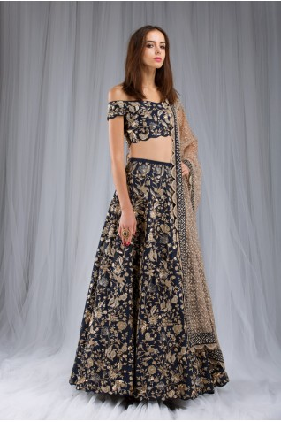 https://www.payalsinghal.com/collection/PS-ST0982a0.jpg