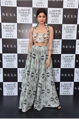 http://www.payalsinghal.com/collection/PS-ST1122a0.jpg