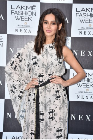http://www.payalsinghal.com/collection/PS-ST1124a0.jpg