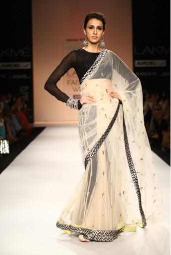 PS-FW181 Aaima Ecra Tulle Saree with Black Silkmul Choli