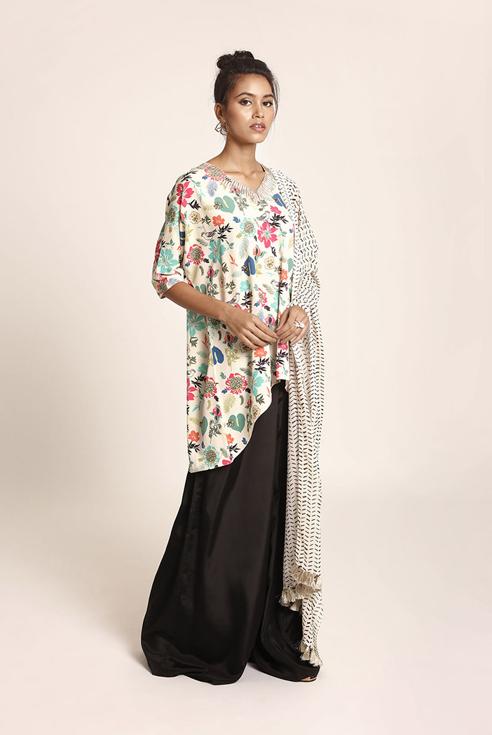 PS-ST1405 Cream Printed Art Crepe Kurta with Black Art Crepe Palazzo and Cream Printed Art Georgette Dupatta