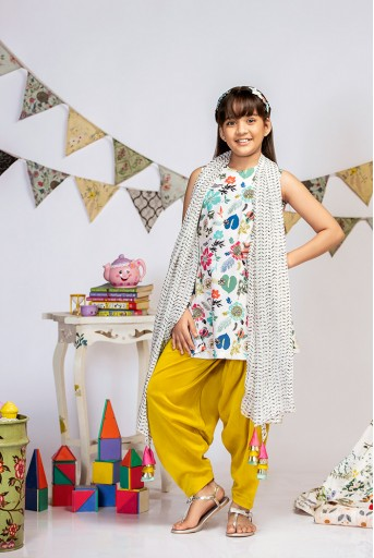PS-KG0009 Cream Printed Crepe Short Kurta with Lime Green Silkmul Salwar and Cream Printed Chiffon Dupatta