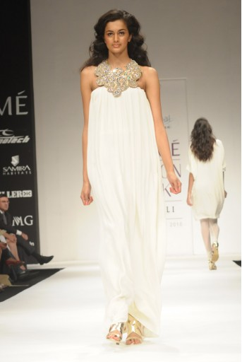 PS-FW005 Mia Cream Strapless Maxi