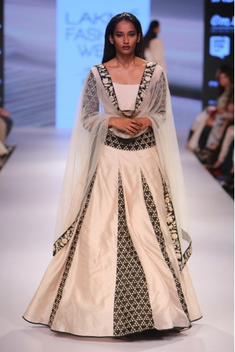 PS-FW354 Parvaneh Stone and Black Silkmul Lehenga and Choli with Tulle Dupatta