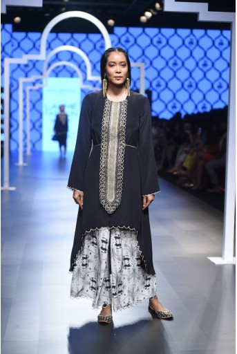 PS-FW469 Sakina Black Crepe Kurta with Stone Printed Palazzo