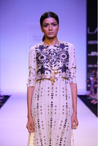 PS-FW240 Zeenat Stone Printed Crepe High-Low Kurta with Waist coat and Printed Silkmul Churidar